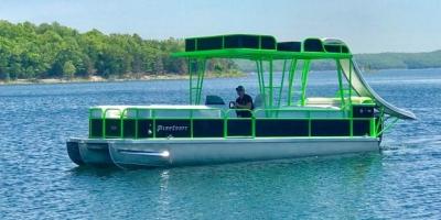 Pontoon boat on Norfork Lake