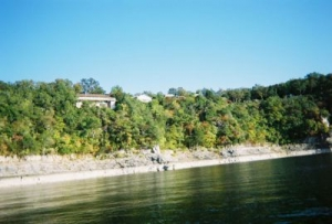 House on bluff over Norfork Lake